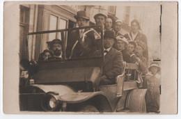 CARTE PHOTO : SOUVENIR DU 3 NOVEMBRE 1918 - CONSCRITS JUSTE AVANT L' ARMISTICE DU 11 NOVEMBRE - FETENT VICTOIRE ALLIES - - Guerra 1914-18