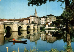 Vallée De La Vienne Le Pont Vieux De Confolens    CPM Ou CPSM - Confolens