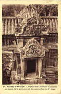 RUINES  D'ANGKOR  Angkor Vath Frontons Superposés Au Dessus De La Porte Centrale Des Galeries Sud Du 2e Etage - Cambodia