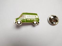Beau Pin's , La Redoute , Vite On Livre , Fourgon Peugeot Citroën - Citroën