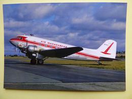 AIR MADAGASCAR  DC 3   5R-MAK - 1946-....: Era Moderna