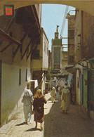 Carte Postale. Maroc. Fès. Rue Marchande De La Médina (ancienne Ville). Talâa. Montée.  Etat Moyen. Taches. - Negozi