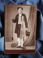 Photo Format Cabinet Anonyme  Suisse D'église ? Conscrit ? Haut De Forme, Canne, Rubans  CA 1890 - L515 - Oud (voor 1900)