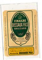 VI 104 / ETIQUETTE   DE  VINAIGRE D'ALCOOL   DESSAUX FILS ORLEANS - Labels