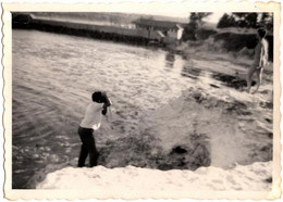 Photo Originale Photographe Photographié Et Photographiant Sa Muse Nue Ou Pas En Contre-Plongée Vers 1950/60 - Pin-ups