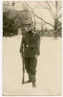 WWI. 1914-18. Portrait En Pied De Soldat Allemand. Casque à Pointe. Carte Photo. - Régiments