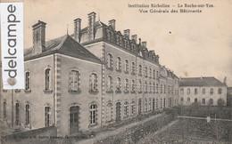LA ROCHE-sur-YON : Institution Richelieu,Vue Générale Des Batiments.édit Tourte Et Petitin. - La Roche Sur Yon