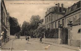 CPA MAINTENON-Les Écoles Rue Collin-d'Harleville (128733) - Maintenon