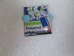 PIN'S   POLAROID  HIGH DEFINITION - Photography
