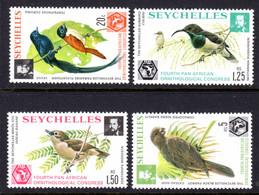 SEYCHELLES - 1976 ORNITHOLOGICAL CONGRESS BIRDS SET (4V) FINE MNH ** SG 369-372 - Seychellen (1976-...)