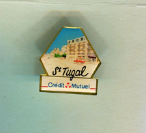 Pin's - Crédit Mutuel St Tugal - Laval - Mayenne - Banks