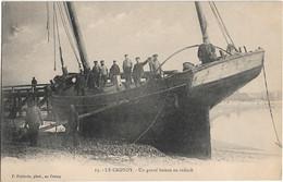 Le Crotoy : Un Grand Bateau Au Radoub - Le Crotoy