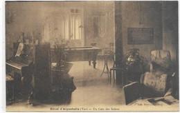 D 83.  LE LAVANDOU. AIGUEBELLE.  DOMAINE D AIGUEBELLE   L HOTEL . UN COIN DES SALONS - Le Lavandou