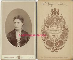 En 1881-CDV Portrait De Femme En Médaillon- Camée Par Charles Reutlinger- Bel état - Antiche (ante 1900)