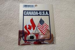 BELLE CARTE AUTOCOLLANTS.......DRAPEAUX DU CANADA ET DES ETATS-UNIS - Zonder Classificatie