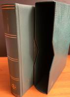 Classeur Leuchtturm Vert+ Etui 64 Pages Noir LZS 4/32 N Trace De Marquage Au Dos. Sinon Bon Tat - Formato Grande, Fondo Negro