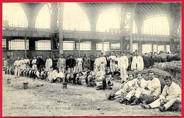 """CPA """"Journée (manifestations) Du 1er Mai 1906"""" Coin Du Camp Galerie Des Machines (75007 Paris) ** Militaire MILITARIA - Manifestations"""