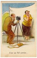 HUMOR - UMOR - COMICA - FATE UN BEL SORRISO... - FOTOGRAFO - Vedi Retro - Formato Piccolo - Humour
