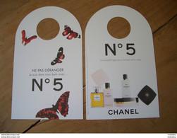 Carte Chanel N°5 Accroche Porte - Modern (vanaf 1961)