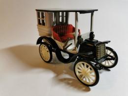 Très Belle Voiture Miniature PANHARD ET LEVASSOR TONNEAU 1899 - Solido