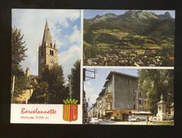 Barcelonnette (04) : Dans Le Fond Le Chateau De Gendarme Et Le Pain De Sucre - Barcelonnetta