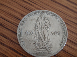Lot De 3  Roubles De 1965 VICTOIRE,1967 GORBATCHEV,1970 LENINE - Russia