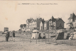 N°7273 R -cpa Pornichet -sur La Plage Devant Family Hotel- - Pornichet