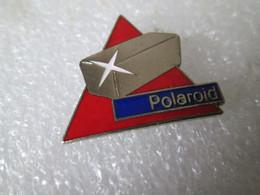 PIN'S     POLAROID - Photography