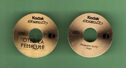 KODAK *** PHOTO CD *** Lot De 2 Pin's Differents *** 5000.. - Photography