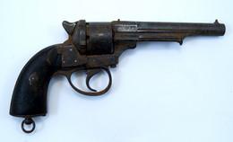 Revolver Pistolet Réglementaire De Marine NT 1858 Daté 1863 Sorti De Grenier Oxydation à Restaurer...calibre 12 - Armes Neutralisées