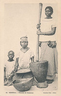 SENEGAL - N° 24 - PILEUSE DE COUSCOUS - Sénégal