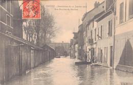 10 - TROYES / INONDATION Du 21 JANVIER 1910 - RUE BOUCHER DE PERTHES - Troyes
