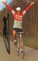 CARTE CYCLISME SERGE DEMIERRE SIGNEE TEAM CILO 1977 ( DECOUPE, FORMAT 9,5 X 14,8 ) - Radsport