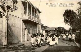 SÉNÉGAL - Carte Postale - Dakar - Rue Des Essarts - L 74722 - Sénégal