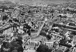 POITIERS - Vue Aérienne - La Préfecture, La Rue Victor Hugo, L'Hôtel De Ville - Au Loin La Cathédrale Saint-Jean... - Poitiers