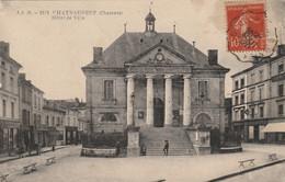 CHATEAUNEUF Hôtel De Ville ( JSD 2327 ) - Chateauneuf Sur Charente