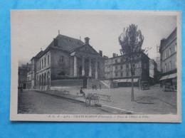 16 : CHATEAUNEUF S/ CHARENTE : PLACE De L'HOTEL De VILLE , Animée , C.P.A .,en Bon état - Chateauneuf Sur Charente