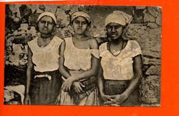 Native Girls, St Vincent C. V. - Afrique Cap Vert (décollée Sur Les Cotés ) - Cape Verde