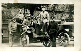 Carte Photo Militaires Et Voitures - Guerra 1914-18