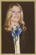 Karen Cheryl - Rare Photo De Jeunesse Signée En 1977 - Coll. Michel Clare - Autógrafos