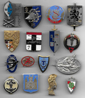 Lot De 16 Insignes - Unclassified