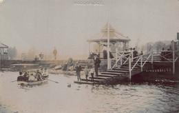 WOODBRIDGE SUFFOLK ENGLAND~PEOPLE IN ROW BOAT-PIER-GAZEBO~1908 H WELTON PHOTO POSTCARD 49700 - Other