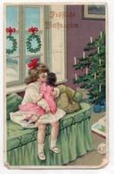 DC4716 - Fröhliche Weihnachten, Tannenbaum, X-MAS, Kleines Mädchen Mit Schwester / Puppe Auf Dem Schoß, Spielzeug, Präge - Altri