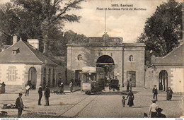 D56  LORIENT  Place Et Ancienne Porte Du Morbihan  ........... Avec Tramway Tram - Lorient