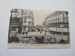 27 ANGOULEME - Rue Des Halles Centrales - Angouleme