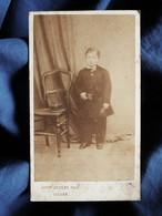 Photo CDV Aug. Josset à Gisors - Petit Garçon En Uniforme D'écolier, Eugène Gombert, Second Empire Circa 1865-70 L524 - Alte (vor 1900)