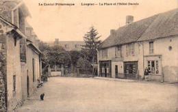 S44-006 Le Cantal Pittoresque - Loupiac - La Place Et L'Hôtel Darnis - Otros Municipios
