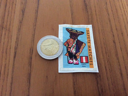 """Ancienne étiquette Boîte D'allumettes Belgique """"SAFETY MATCHES PÉROU PERU"""" (drapeau, Costume, Manneken Pis) - Matchbox Labels"""