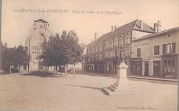 71 - LA CHAPELLE DE GUINCHAY / PLACE ET STATUE DE LA REPUBLIQUE - Other Municipalities