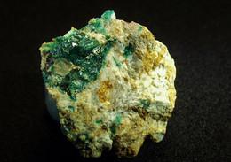 Cornubite On Matrix ( 1.5 X 1 X 1 Cm ) Majuba Hill - Pershing Co. Nevada - USA - Mineralen
